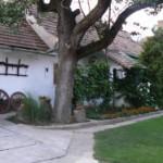 Udvar / Courtyard / Hof